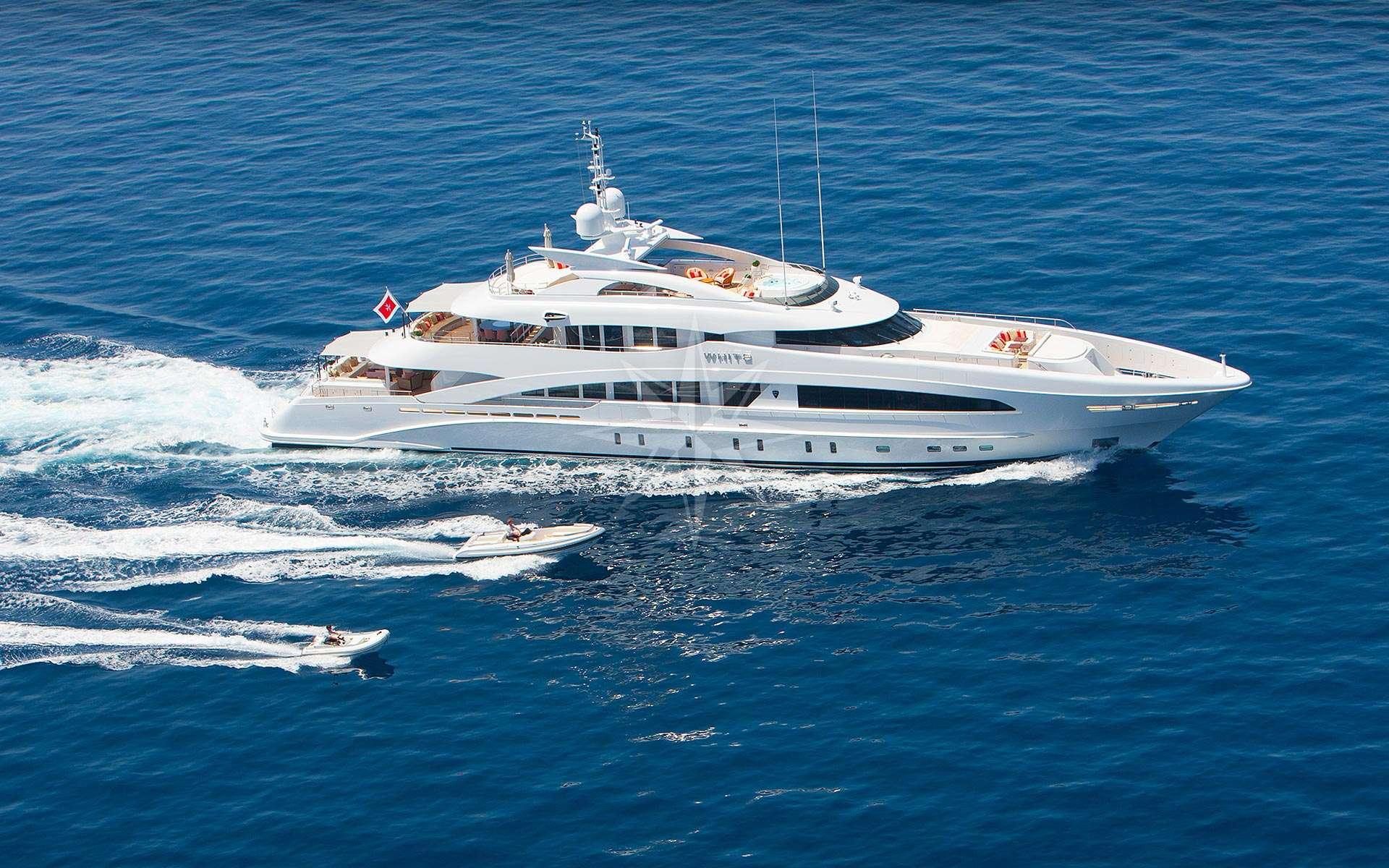 Moter Yacht