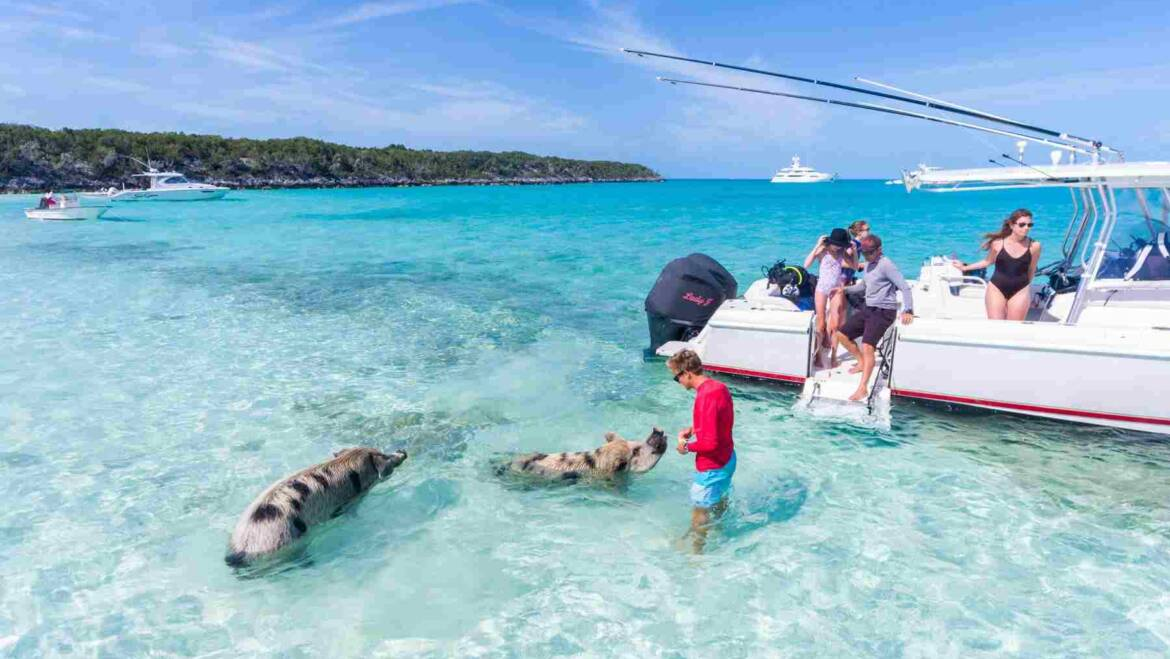 A CREWED YACHT VACATION IN THE BAHAMAS – THE GUIDE.